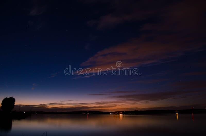 Jezioro nocne obrazy stock
