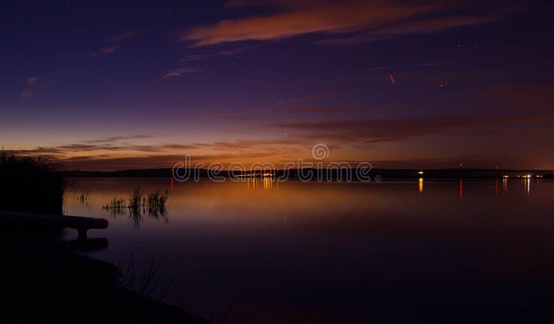 Jezioro nocne zdjęcie royalty free