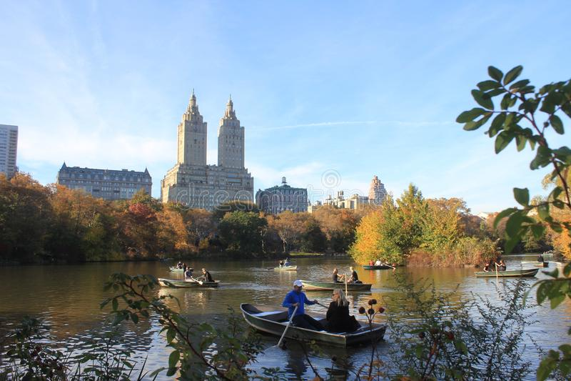 Jezioro przy central park zdjęcia royalty free