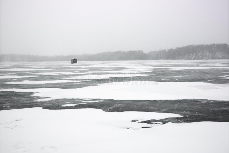 jezioro sceniczny mrożone zdjęcie stock