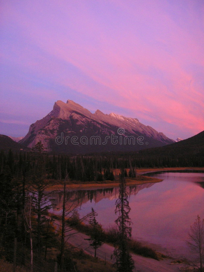 jezioro sunset cynobrowy obrazy royalty free