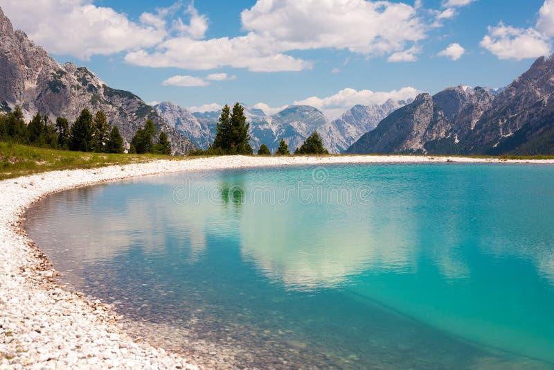 Jezioro w Dolomitach fotografia royalty free