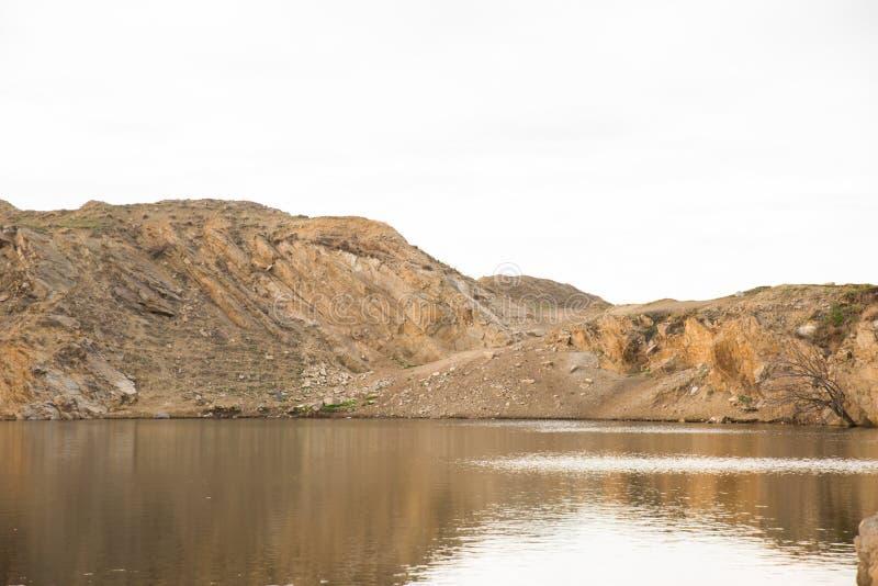 Jezioro w skale obrazy royalty free