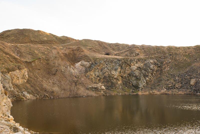 Jezioro w skale obraz royalty free