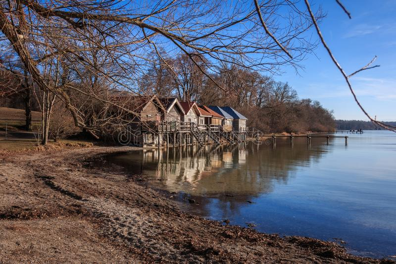 Jezioro w Stegen am Ammersee w Bawarii, Niemcy zdjęcie stock