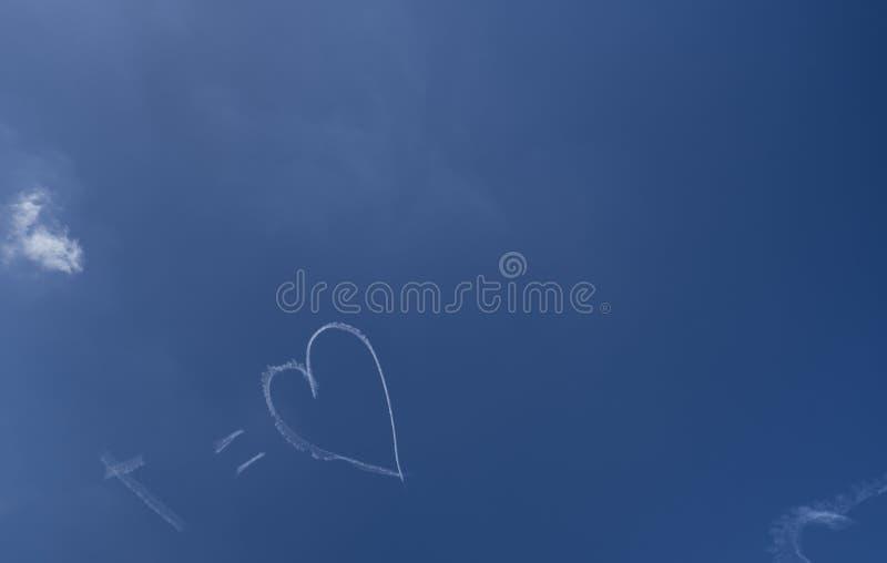 Jezus jest miłością Skywriting obraz stock