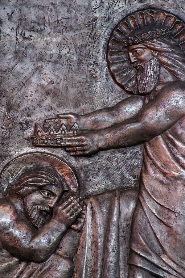 Jezus wręcza koronę Joseph dla jego wiernej usługa w niebie fotografia royalty free