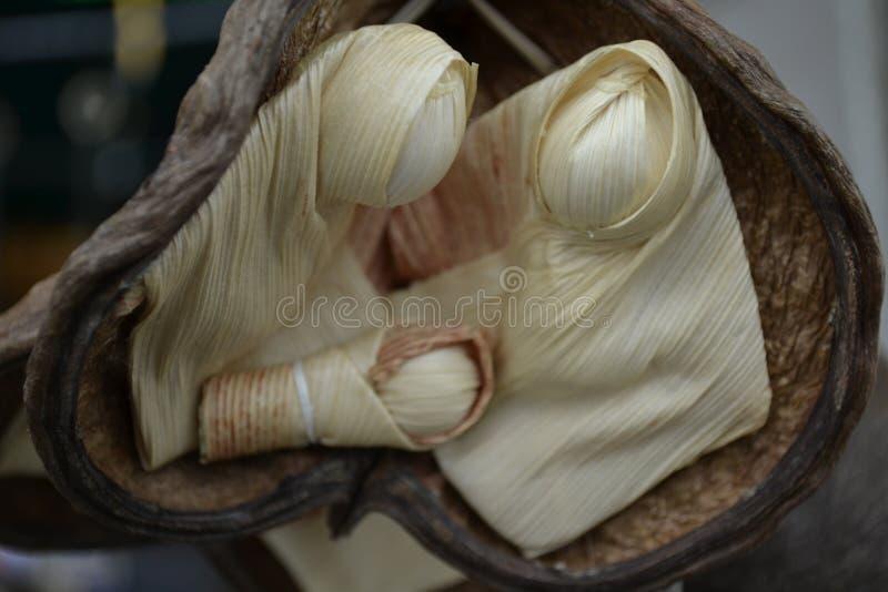 Jezusowy dziecko vidgin Mary i Joseph robić kukurydzani liście, zdjęcia royalty free