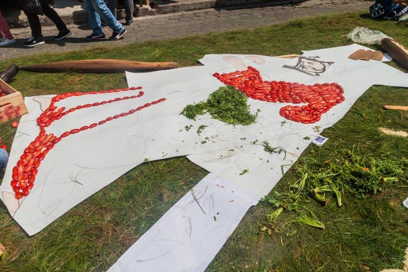 Jezusowy portret robi warzywa jako część Wielkanocni dywany w Panajachel wiosce, Guatemal fotografia stock
