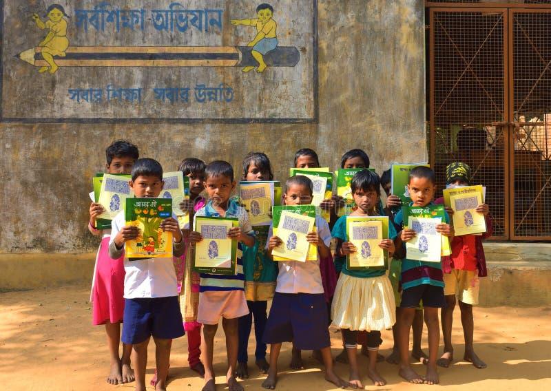 Jhargram, Bengala Occidental, la India - 2 de enero de 2019: El día internacional del libro fue celebrado por los estudiantes de  fotografía de archivo libre de regalías