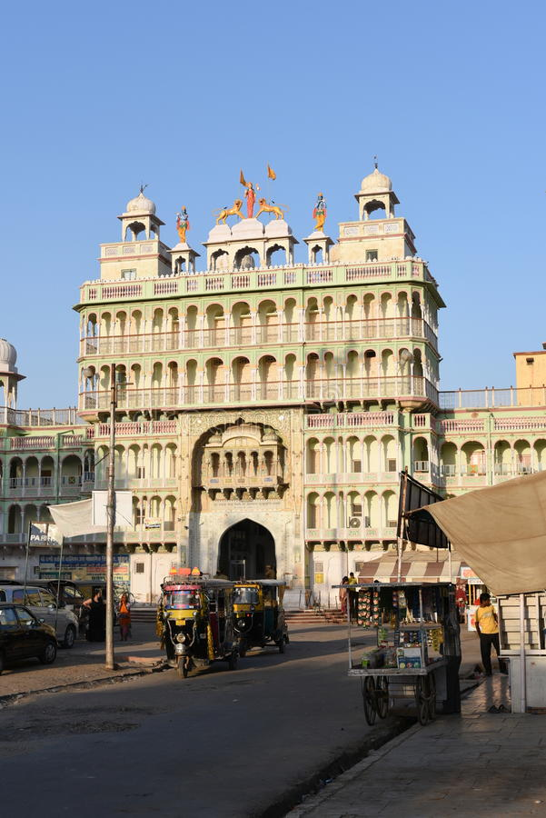 Jhunjhunu, Rajasthan, Índia: 3 de outubro de 2015: O templo indiano do deus de Sati da deidade em Rajasthan Sati é um costume fún fotos de stock
