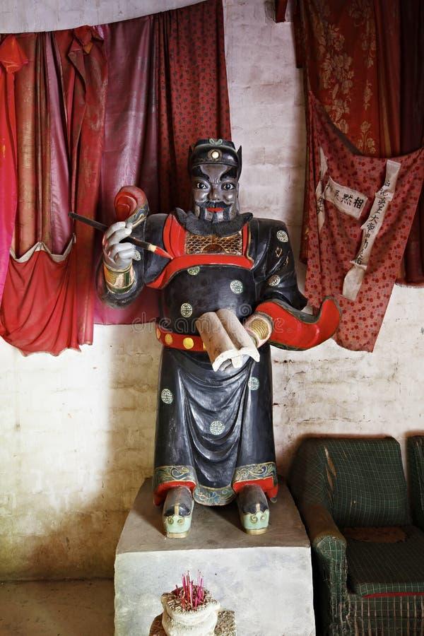 Jiangxi, porcellana: statua del magistrato del mondo sotterraneo fotografie stock libere da diritti