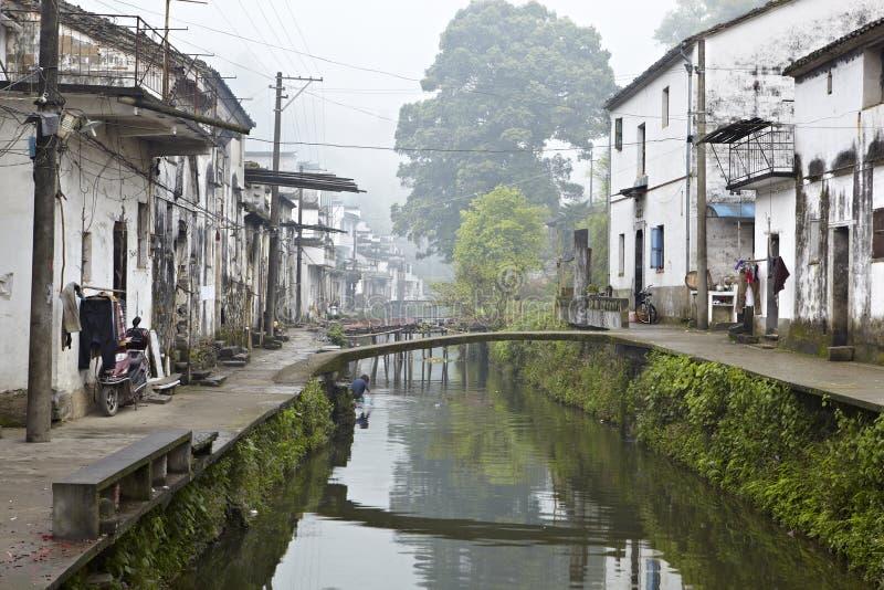 Jiangxi porslin: liten by i wuyuan arkivbilder