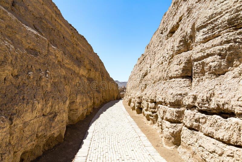 Jiaohe f?rd?rvar, lageromr?det, Turpan, Kina Forntida huvudstad av det Jushi kungariket, var det en naturlig f?stning arkivbilder