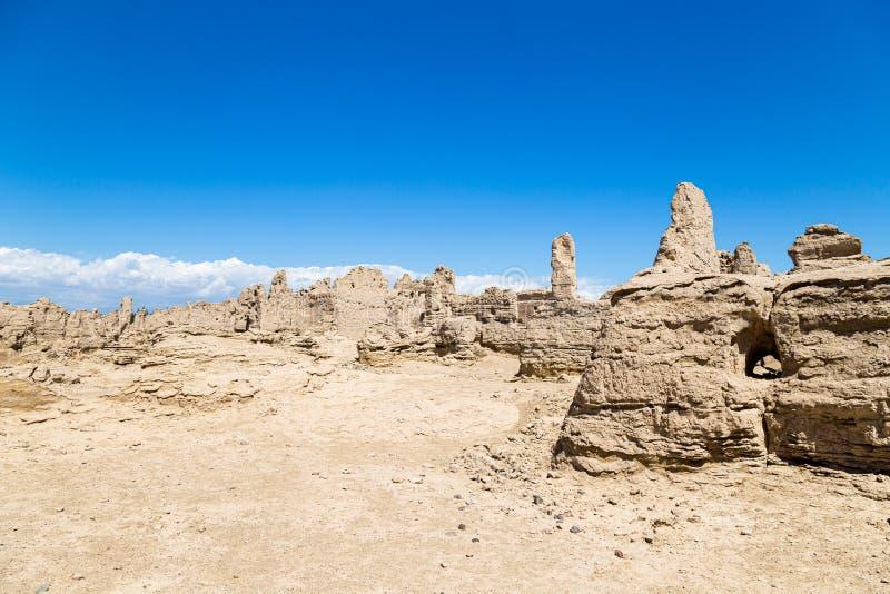 Jiaohe f?rd?rvar, Turpan, Kina Forntida huvudstad av det Jushi kungariket, var det en naturlig f?stning p? en brant plat? arkivfoton