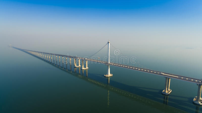 Jiaozhouwan-bridg Qingdao-Porzellan stockbilder