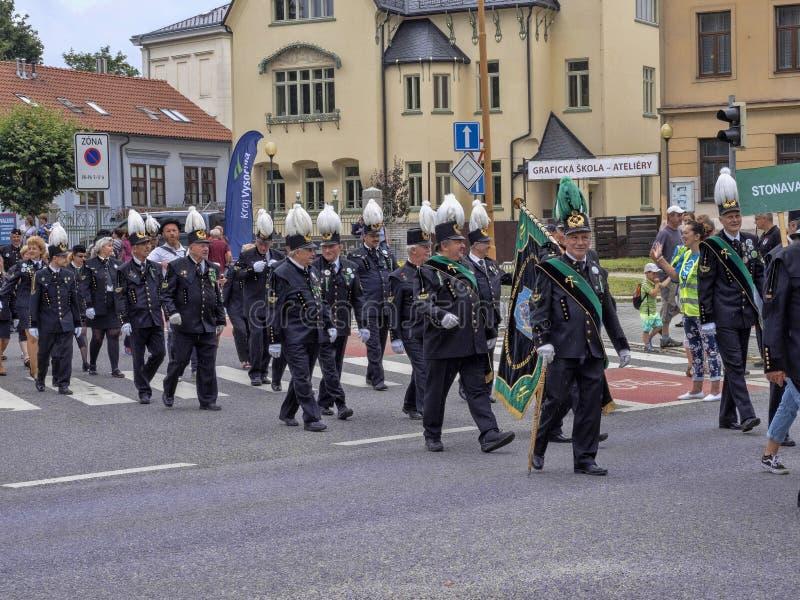 JIHLAVA CHECO REPÚBLICA 22 de junio 2019, el desfile minero, el 22 de junio vigésimo, Jihlava, República Checa fotografía de archivo libre de regalías