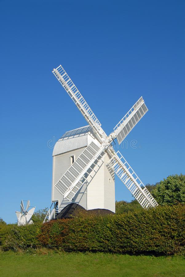 Jill Windmill, um dos Clayton Windmills no South Downs Way em West Sussex, perto de Brighton, Inglaterra, Reino Unido imagens de stock