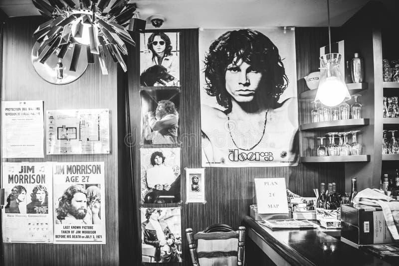 Jim Morrison-Fotos im Café lizenzfreie stockfotos