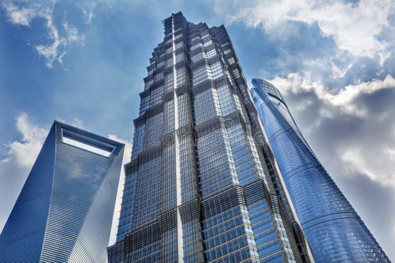 Jin Mao Tower Three Skyscrapers Liujiashui Shanghai Kina royaltyfri foto
