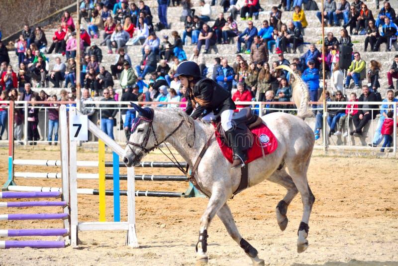 Jinete de lomo de caballo de la niña imagen de archivo