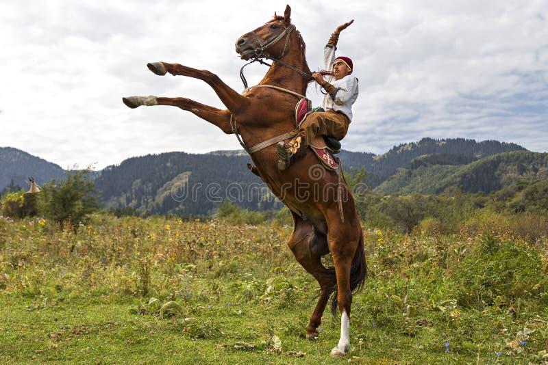 Jinete del caballo del Kazakh, Almaty, Kazajistán fotos de archivo libres de regalías