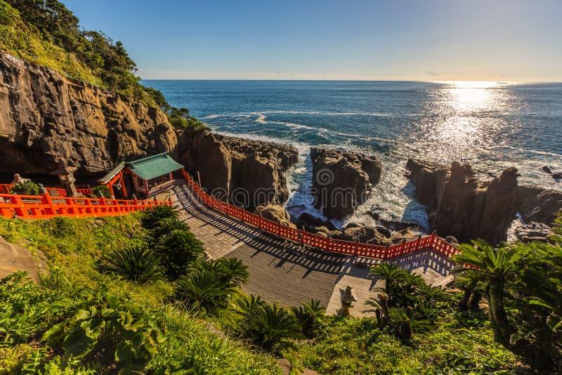 Jingu de Udo, um santuário xintoísmo situado no litoral de Nichinan, Kyushu imagens de stock