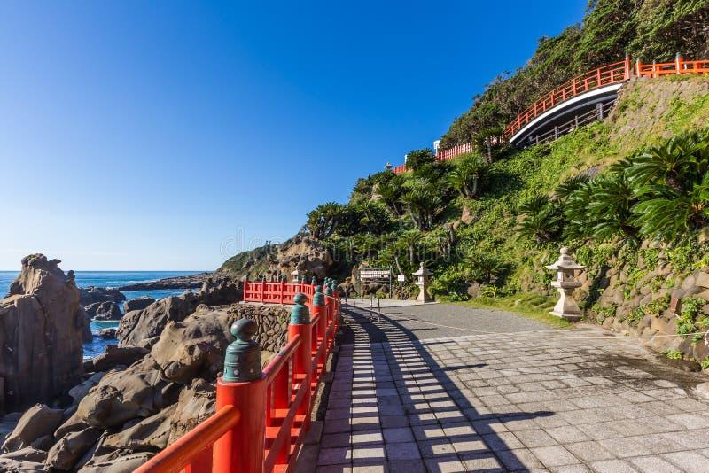 Jingu de Udo, um santuário xintoísmo situado no litoral de Nichinan, Kyushu fotografia de stock royalty free