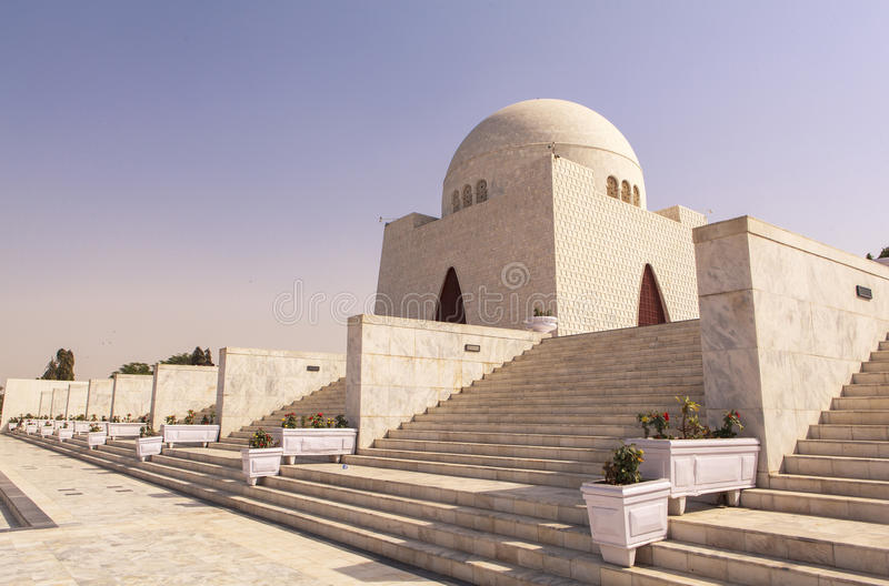 Jinnah Mausoleum i Karachi, Pakistan fotografering för bildbyråer