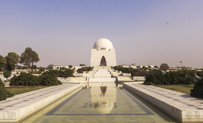 Jinnah Mausoleum i Karachi, Pakistan royaltyfri bild