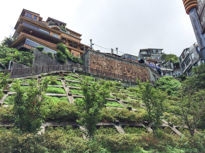 Jiufen, Ταϊβάν - 6 Ιουλίου 2015: Άποψη του παλαιού πόλης χωριού Jiufen, επίσης συλλαβισμένο Jioufen ή Chiufen, μια περιοχή βουνών στοκ εικόνα