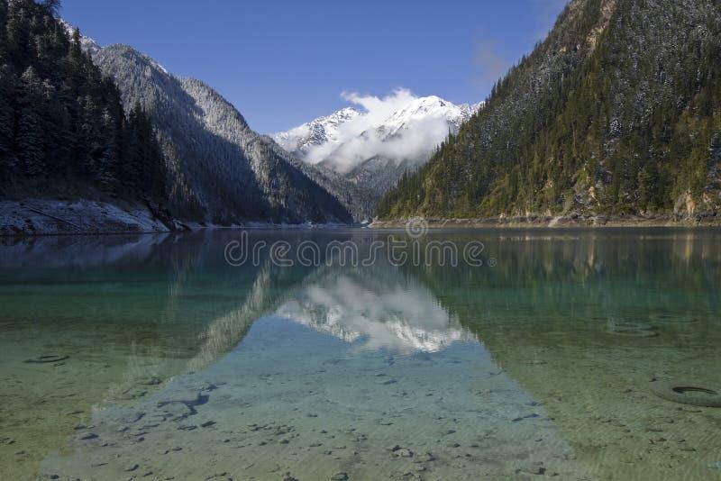 Jiuzhaigou largo NP sichuan del lago imagenes de archivo