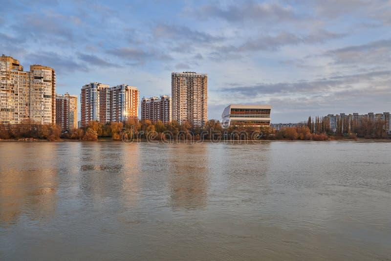 JK Novyj Gorod Wspaniały jesień widok kompleks klasa business budynki mieszkalni z wszystkie infrastrukturą zdjęcia royalty free