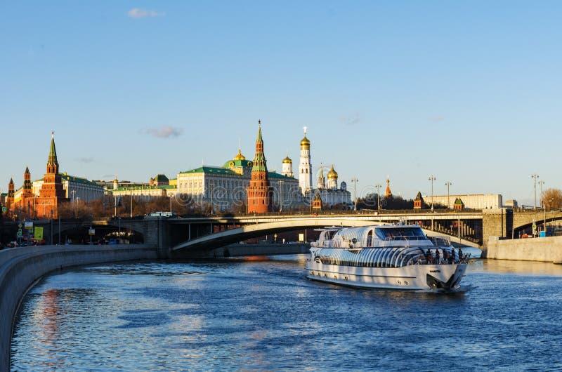 Jn de voyage de bateau la rivière de Moscou photos libres de droits