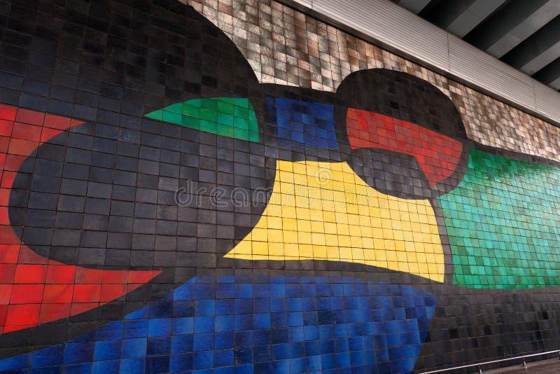 Joan Miro - grande peinture murale en céramique - Barcelone image stock