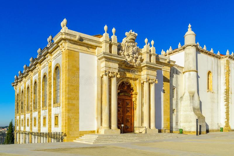 Joanine arkivbyggnad i det gamla universitetet, i Coimbra royaltyfri foto