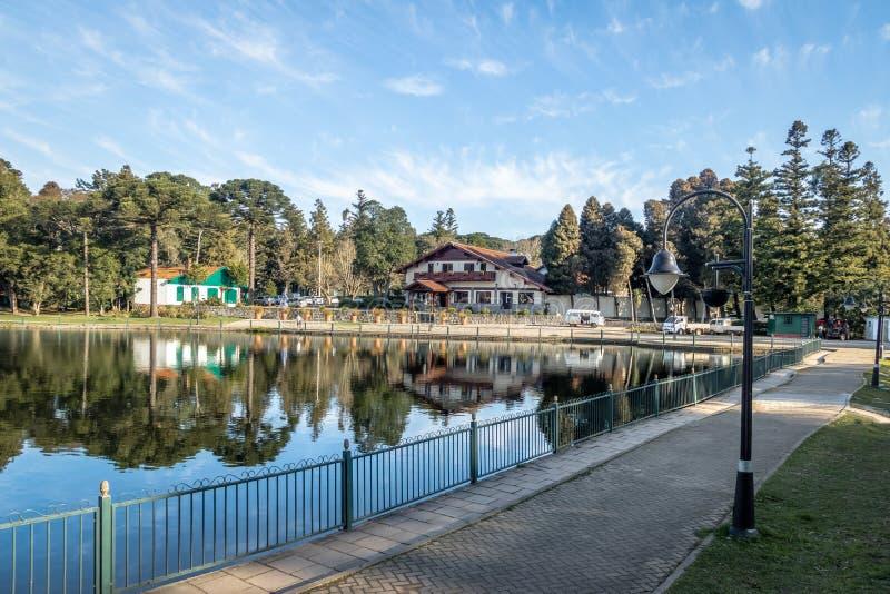 Joaquina Rita Bier Square e lago - Gramado, Rio Grande do Sul, Brasile immagine stock