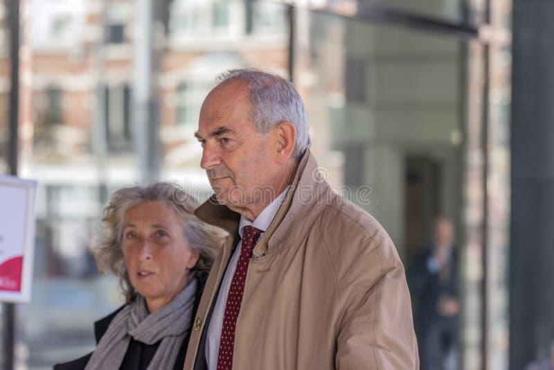 Job Cohen At The Memorial Ceremony beim Concertgebouw in Amsterdam 27-10-2018 die Niederlande für den Tod von Wim Kok lizenzfreies stockfoto