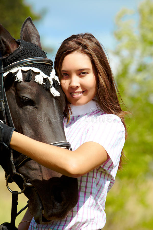 Jockey und Pferd lizenzfreies stockbild