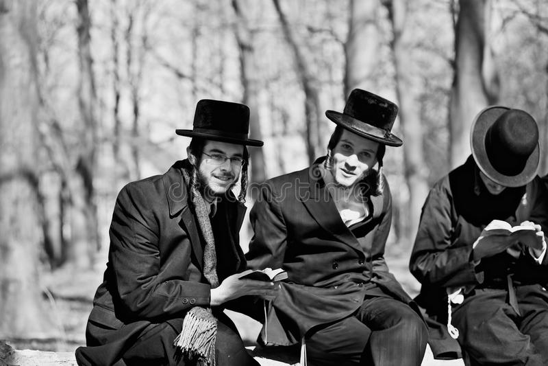 Joden het bidden stock afbeeldingen