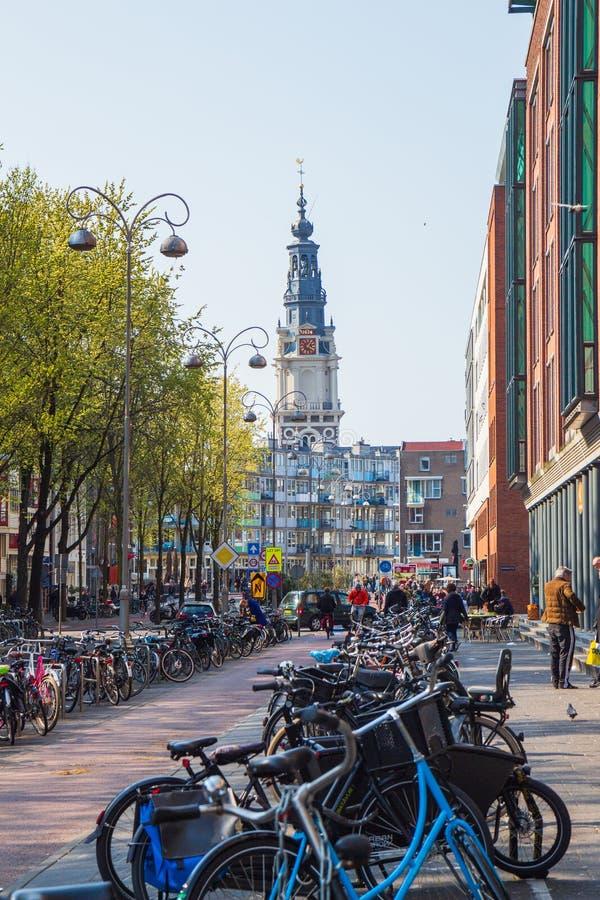 Jodenbreestraat in de toren van Amsterdam en Zuiderkerk- stock afbeeldingen