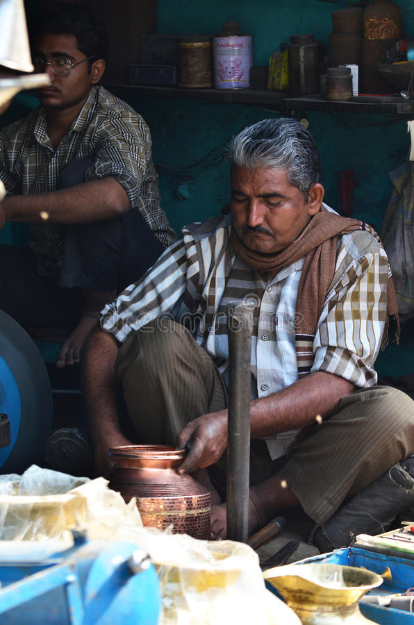 Jodhpur India, Styczeń, - 1, 2015: Niezidentyfikowany Indiański mężczyzna w rynku fotografia royalty free