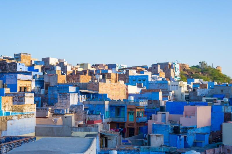 Jodhpur, Rajasthan, Indien, berömd loppdestination och turist- dragning Den blåa staden som beskådas från ovannämnt i dagsljus, b arkivfoton