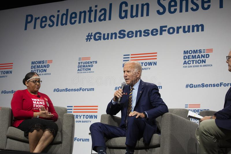 Joe Biden no fórum do sentido da arma o 10 de agosto de 2019, Des Moines, Iowa, EUA fotografia de stock royalty free