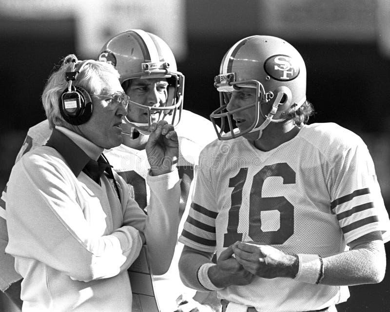 Joe Montana et Bill Walsh photo stock