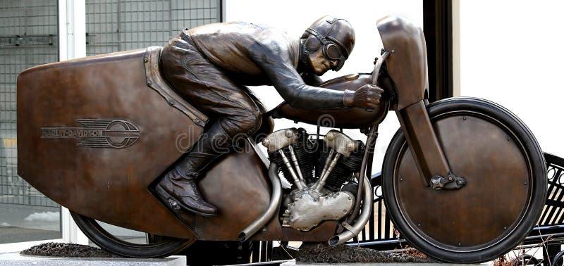 Joe Petrali Motorcycle Statue a placé dans Sturgis, le Dakota du Sud photo libre de droits