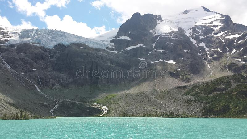 Joffre Lakes Hike royaltyfria bilder