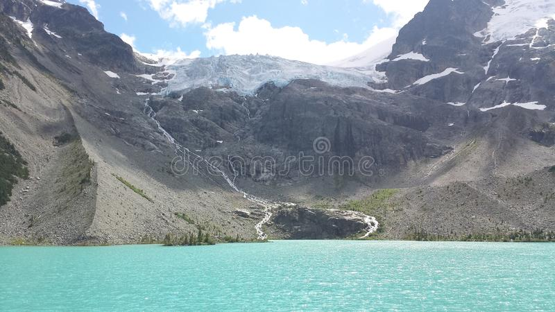 Joffre Lakes Hike royaltyfri bild