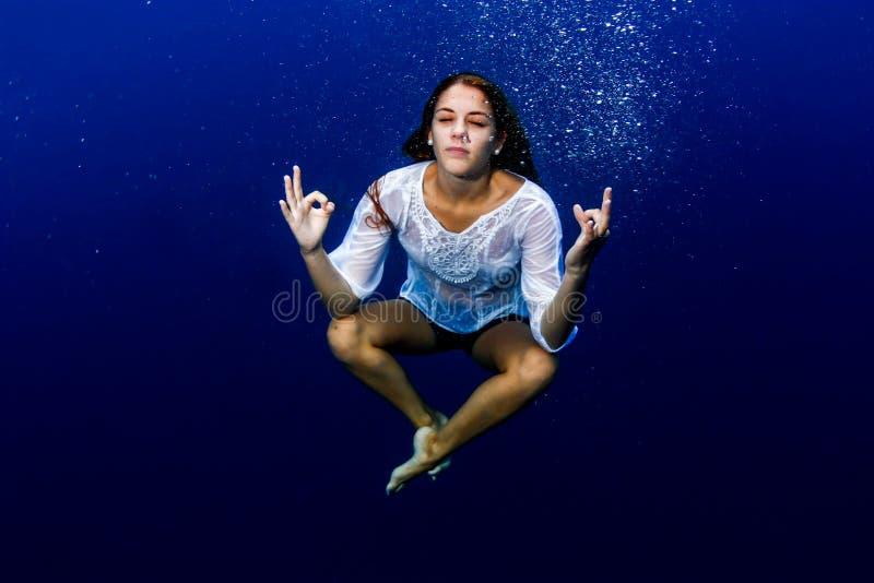 Joga podwodny obraz royalty free
