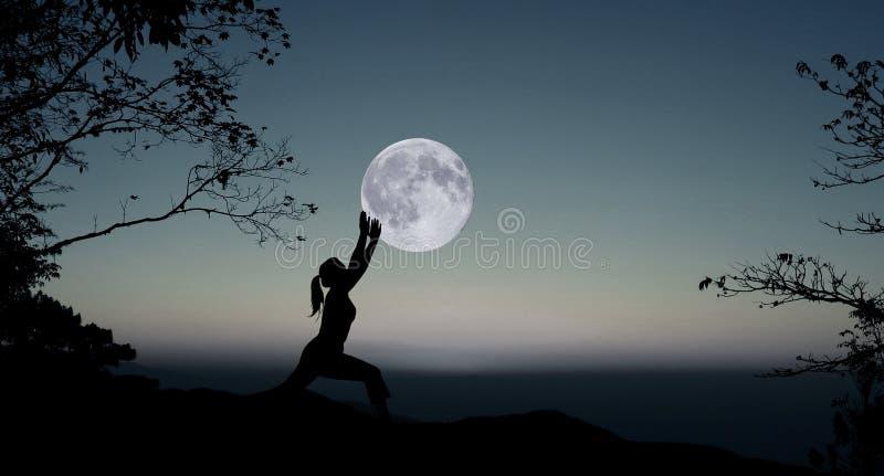 Joga przy nocą fotografia royalty free